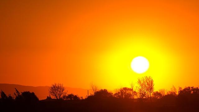 sunset-1404129_640